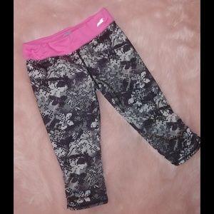 Avia girls cropped workout pants